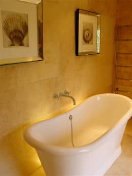 Salle de bain de style  par Clifford Interiors
