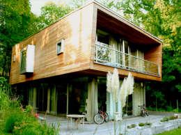 Casas de estilo moderno por C95 ARCHITEKTEN