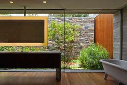 Projekty,  Łazienka zaprojektowane przez Studio MK27
