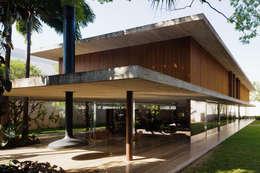 Projekty, nowoczesne Domy zaprojektowane przez Studio MK27