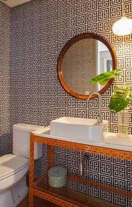 Projekty,  Łazienka zaprojektowane przez Mauricio Arruda Design