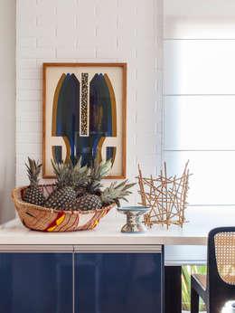 Projekty,  Salon zaprojektowane przez Mauricio Arruda Design