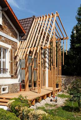 EXTENSION MAISON P: Maisons de style de style Rustique par atelier eem