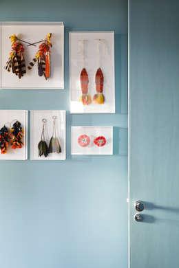 Residência Lorena: Paredes  por Mauricio Arruda Design