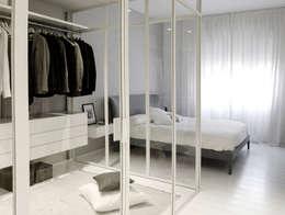 Private house renovation:  in stile  di Area-17 Architecture & Interiors