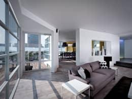 Casa Laureles - Micheas Arquitectos: Hogar de estilo  por Micheas Arquitectos