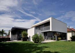 Maisons de style de style Moderne par Udo Ziegler | Architekten