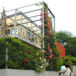 Projekty, nowoczesne Domy zaprojektowane przez ユミラ建築設計室