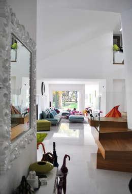 Salas / recibidores de estilo moderno por Salvatore Nigrelli Architetto