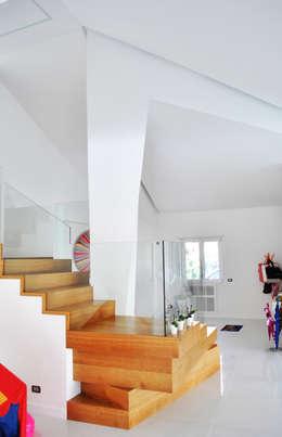 modern Corridor, hallway & stairs by Salvatore Nigrelli Architetto