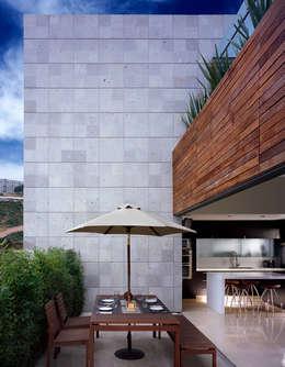 Terrazas de estilo  por Micheas Arquitectos