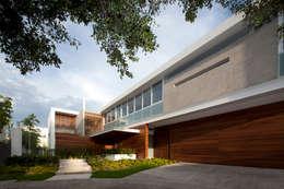 modern Houses by Hernandez Silva Arquitectos