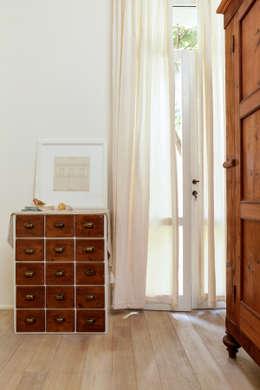 Dormitorios de estilo clásico por Tommaso Bettini Architetto