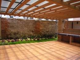 Remodelacion  y Restauracion Casa Lecheria: Jardines de estilo rústico por JRM Diseño - Studio Arquitectura