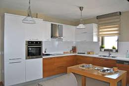 Estateinwest – Azure Villalari 2 Odali Flat Daireler: modern tarz Mutfak
