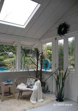 Balcones y terrazas de estilo escandinavo por CDECO and co