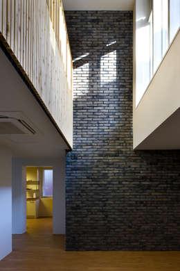 율리아네 집수리(Julia's JIP-SOORI): 무회건축연구소의  주택