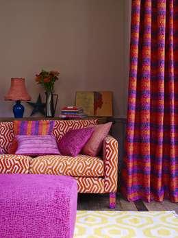 Salas / recibidores de estilo mediterraneo por Prestigious Textiles