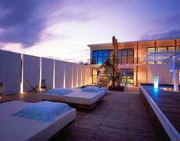 Hotel Deseo:  de estilo  por Central de Arquitectura