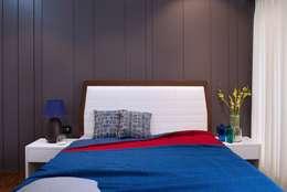 Lounge Styled Duplex Residence: modern Bedroom by  Ashleys