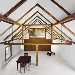 Ruang Keluarga by JAN RÖSLER ARCHITEKTEN