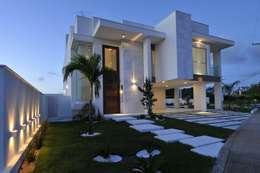 modern Houses by Espaço Cypriana Pinheiro