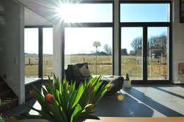 modern Living room by JEBENS SCHOOF ARCHITEKTEN