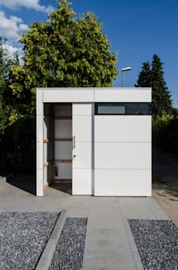 modern Garage/shed by design@garten