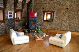 غرفة المعيشة تنفيذ Capra Architects