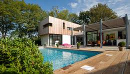 Casas modernas por ATELIER D'ARCHITECTURE ET D'URBANISME MARTIAL