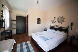 ARAL TATİLÇİFTLİĞİ – 5 Houses: modern tarz Yatak Odası