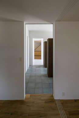 SUNOMATA: 武藤圭太郎建築設計事務所が手掛けた廊下 & 玄関です。