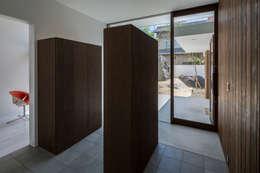 SUNOMATA: KEITARO MUTO ARCHITECTSが手掛けた廊下 & 玄関です。