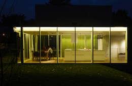 Maison Beloti: Maisons de style de style Moderne par Atelier Arcau