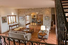 Tikkanen arquitetura: kırsal tarz tarz Oturma Odası