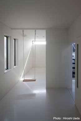 2階子供室: 石川淳建築設計事務所が手掛けた和室です。