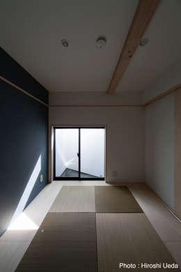 玄関横の和室: 石川淳建築設計事務所が手掛けた和室です。