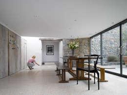 moderne Eetkamer door JAMIE FALLA ARCHITECTURE