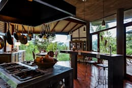 country Kitchen by Ferraro Habitat