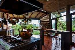 Nhà bếp by Ferraro Habitat