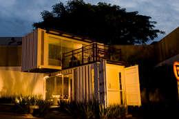 Maisons de style de style Minimaliste par Ferraro Habitat