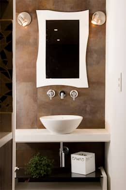 minimalistic Bathroom by Ferraro Habitat