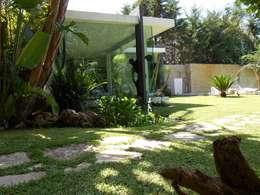 Jardines de estilo minimalista por Rosa Vetrano Architetto