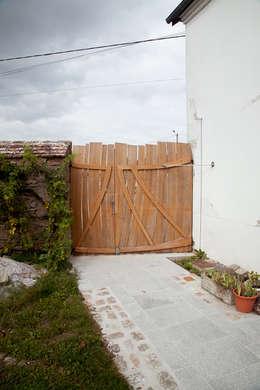 Окна и двери в . Автор – Lenka créations