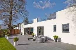 Projekty,   zaprojektowane przez LA Hally Architect