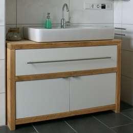 rustieke & brocante Badkamer door timberclassics  -  Bauholzmöbel - markant, edel, individuell