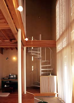 Projekty,  Korytarz, przedpokój zaprojektowane przez 稲吉建築企画室