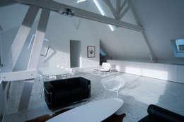 the white loft: Salon de style de style Industriel par mayelle architecture intérieur design