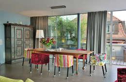 modern Dining room by IDA14