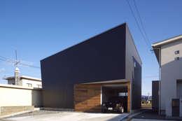 トンガリ壁の家: C lab.タカセモトヒデ建築設計が手掛けた家です。